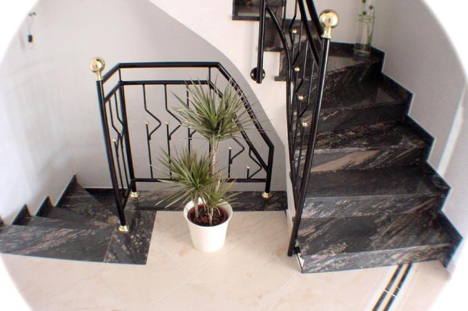 welches image hat die firma granit 2000 gmbh. Black Bedroom Furniture Sets. Home Design Ideas